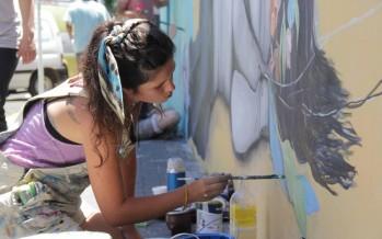 """Mabel Vicentef: """"Pinto murales para despertar sensaciones"""""""