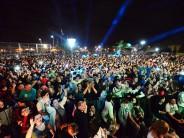 Lía Crucet y Los Ángeles Azules se presentaron en el Festival Tropical realizado en la Plaza Malvinas Argentinas