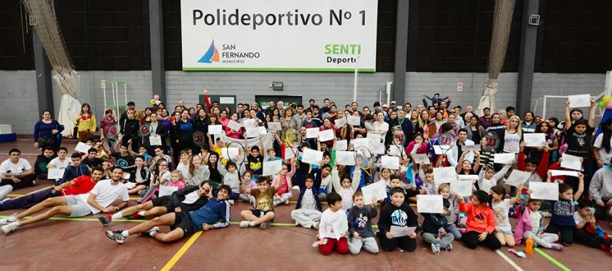 En el Poli N°1 la Escuela Municipal de Tenis realizó un encuentro 'Interpolis'