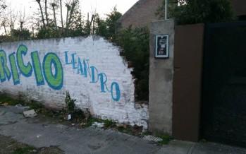 Preocupación por el paredón de un terreno abandonado en 3 de Febrero esquina Henry Dunant