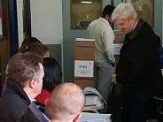 El intendente Luis Andreotti emitió su voto en la Escuela San José