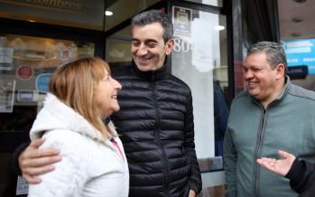 Florencio Randazzo recorrió comercios de la calle Constitución y una fábrica de muebles en Canal junto a Gustavo Aguilera