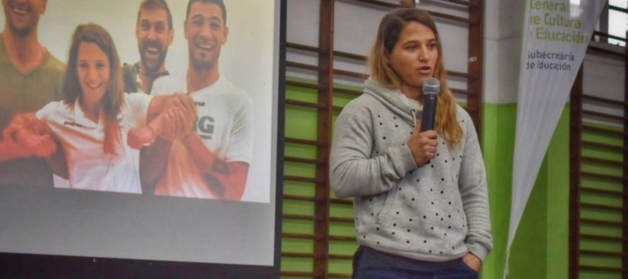 Paula Pareto brindó una clínica deportiva a alumnos de nuestra ciudad