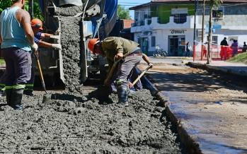 Renovación de la carpeta asfáltica y hormigonado en barrio Infico