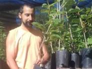El isleño que lucha para preservar los frutales del Delta