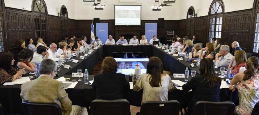 """Los ministros de Educación del país se reunieron en nuestra ciudad y aprobaron la """"Secundaria 2030"""""""