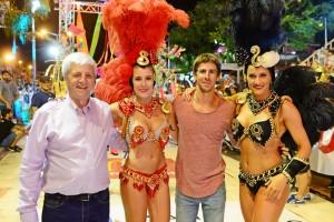 1 Mica Viciconte y Andrea Lopez con el Int Luis Andreotti y el Dip Juan Andreotti