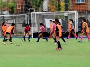 Encuentro de la Escuela Municipal de Hockey Femenino en el Poli 7