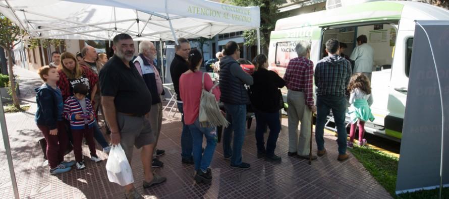 El 'Municipio en tu Barrio' volvió al centro comercial de Victoria