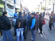 Trabajadores de Barrier Solution-Printpack se movilizaron a la delegación del Ministerio de Trabajo