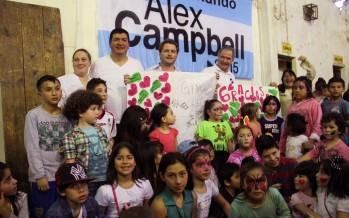 Campbell festejó el Día del Niño en Barrio Fate