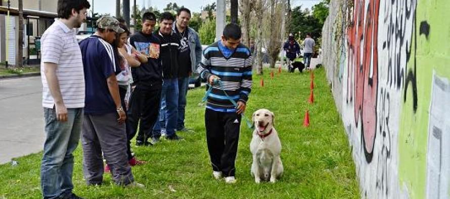 """Taller de """"Tenencia responsable de las Mascotas"""" en la Casa de Día"""