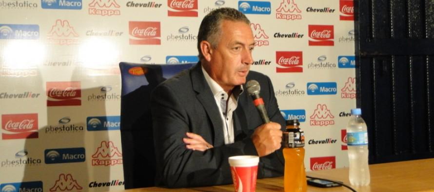 """Gustavo Alfaro: """"Nos faltó la precisión para terminar las jugadas"""""""