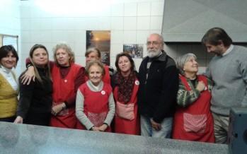 """Cenas de Invierno en Cáritas Aránzazu: """"Nos preparamos como cuando recibimos gente en casa"""""""