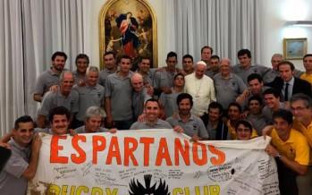 El Papa recibió a Los Espartanos, el equipo de rugby de un penal bonaerense