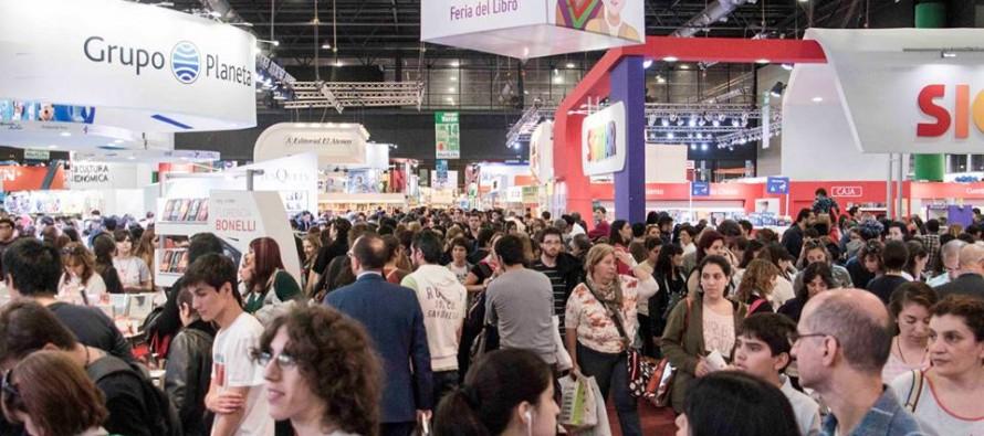 El presidente del Círculo de Escritores participará en la Feria del Libro