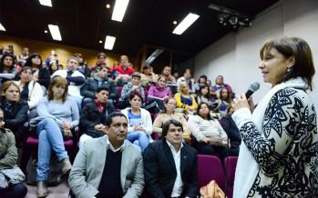 En el CUM se brindó un taller sobre autismo con padres, docentes y promotores de salud