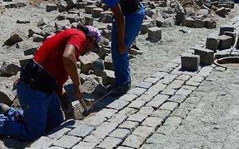 Un trabajo artesanal para preservar los adoquines centenarios de Santamarina y Lavalle