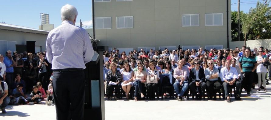 Andreotti inauguró las escuelas N°20 y N°28 del barrio San Jorge