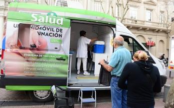 El 'Municipio en tu Barrio' volvió a la Plaza Mitre y se sumó al Día Mundial de la Hepatitis B