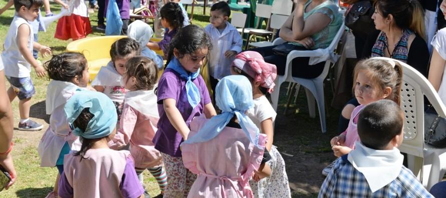 Unidades de Desarrollo Infantil y Jardines Maternales de nuestra ciudad celebraron el Día de la Tradición