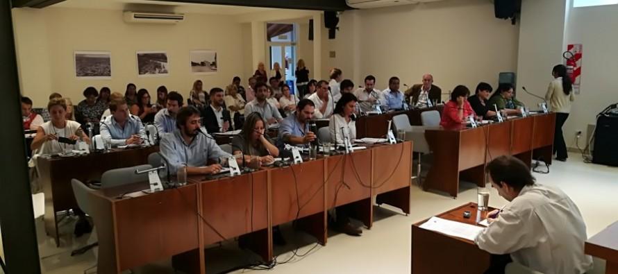 El Concejo Deliberante rechazó el desembarco de Farmacity y el aumento de tarifas del transporte fluvial
