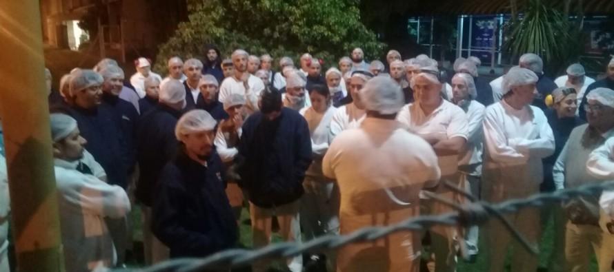 Como animales en un zoológico: así tiene Mondelez encerrados a sus trabajadores en la planta de Victoria
