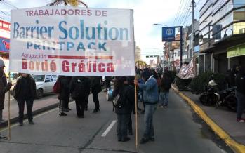Nueva movilización de los trabajadores de Barrier en rechazo a los despidos