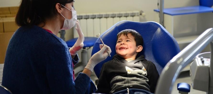 Los chicos de las murgas reciben controles odontológicos