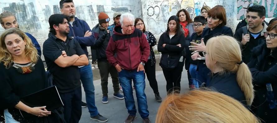 Reunión entre vecinos y funcionarios provinciales por demoras en la adjudicación de viviendas del barrio Tiro Federal