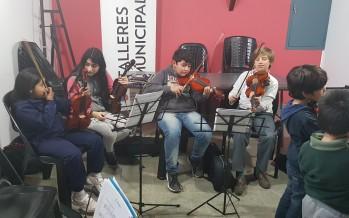 Taller de violín infantil en el Centro Cultural 'El Andén'