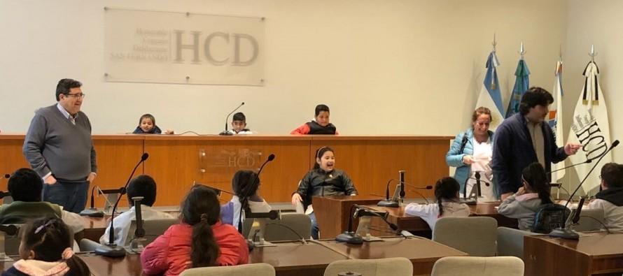 Alumnos de Arroyo Felicaria recorrieron las dependencias municipales