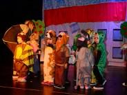 Los jardines maternales armaron una obra teatral por el Día del Maestro en el Teatro Martinelli