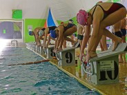El equipo de natación se prepara en el Poli N°3 para competir
