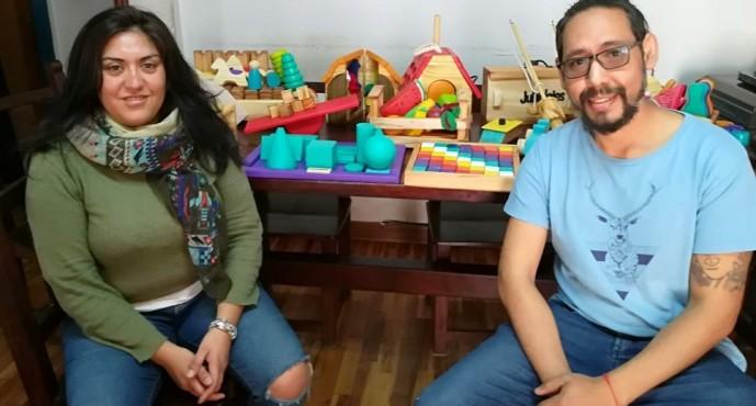 """Jubioletes: """"Nos moviliza hacer juguetes sustentables reciclando madera"""""""