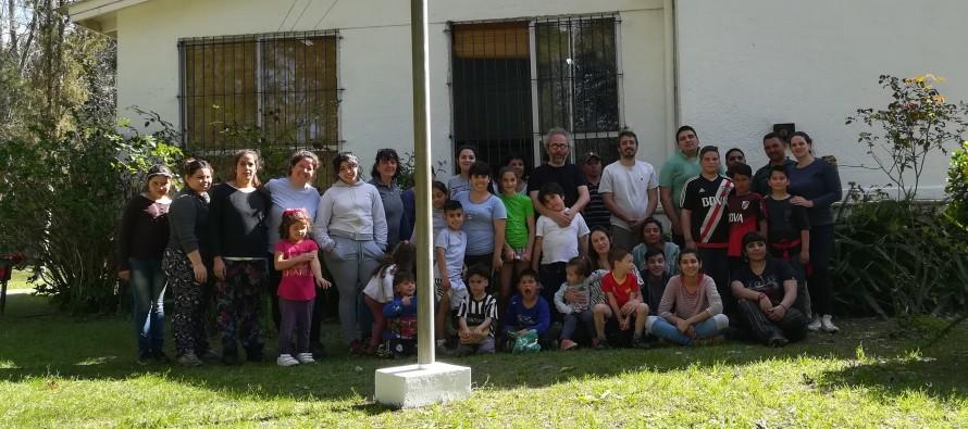 El Día del Maestro se celebró con una jornada de trabajo para mejorar la Escuela N° 25 de arroyo Caracoles