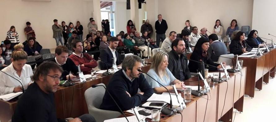 Fuerte repudio a la propuesta del concejal Fernández Storani de dar comida que sobra a las escuelas