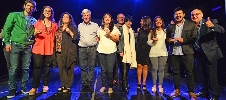 En el Teatro Martinelli se entregaron reconocimientos a músicos y cantantes de nuestra ciudad