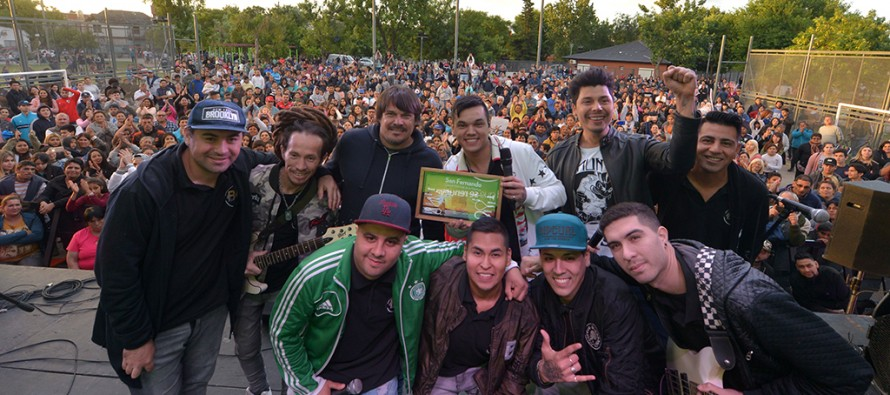 Miles de sanfernandinos disfrutaron el Festival Tropical en Plaza San Pablo