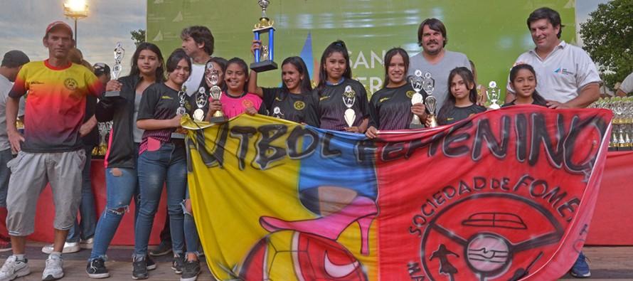 En el Poli N°2 se realizó la entrega de premios de la Liga Infantil y Femenina de Fútbol