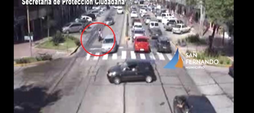 Una moto chocó contra un auto en Avellaneda y Las Piedras