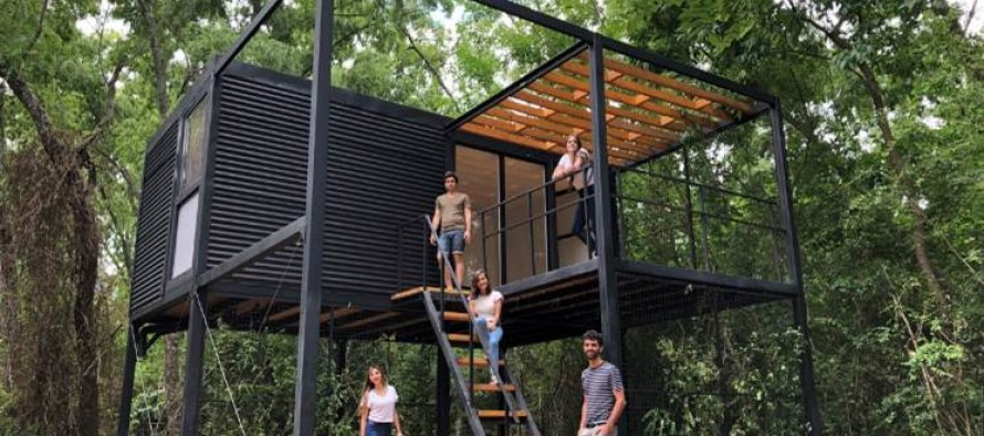Estudiantes de arquitectura le construyeron la casa a una mujer que perdió todo en un incendio en el Delta