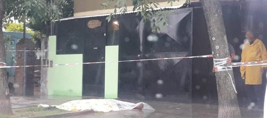 Villa Hall: un ferretero se resistió al asalto y mató al ladrón con un cuchillo
