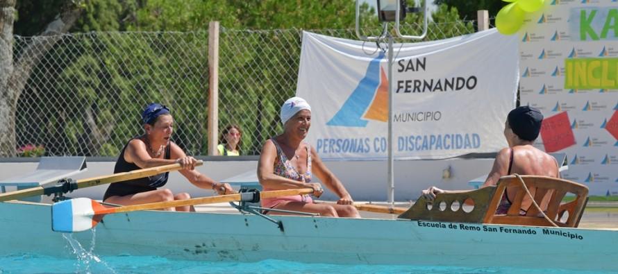 Jornada inclusiva de remo y kayak en el Poli Nº 3