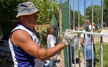 Conexión a la red cloacal, iluminación y renovación de veredas en el barrio La Esperanza