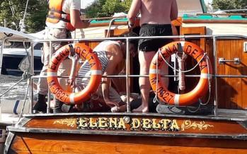 Una lancha colectiva embistió a un bote y hay una mujer en grave estado