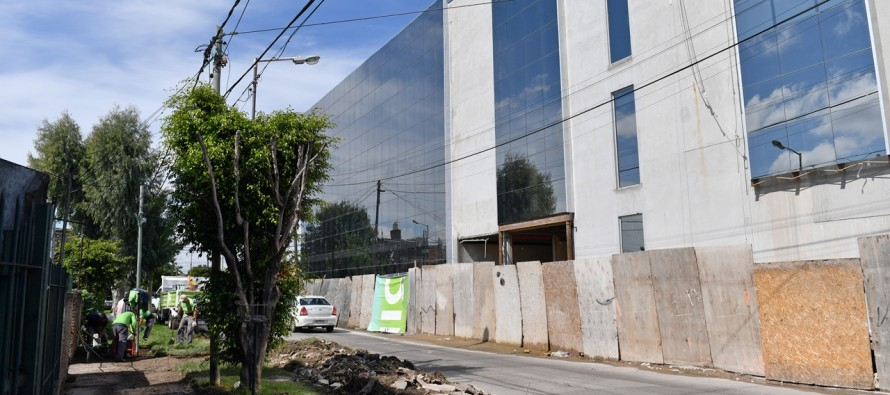 Renovación de las veredas de la manzana del nuevo Hospital Municipal