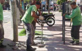 Comenzó la primera etapa de renovación del mobiliario urbano desde Sobremonte hasta la avenida Avellaneda