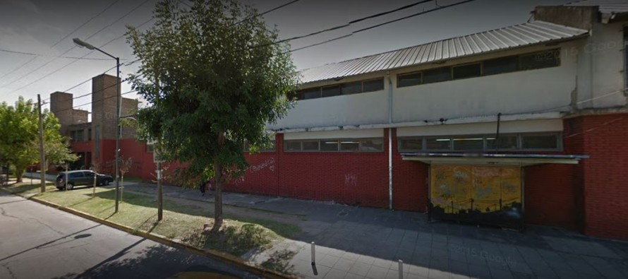 Barrio Fate: una adolescente fue violada por un compañero tras celebrar el último primer día de clases