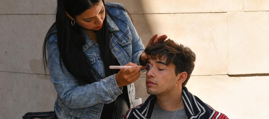 Julián Serrano grabó su nuevo videoclip en el Museo de la Ciudad